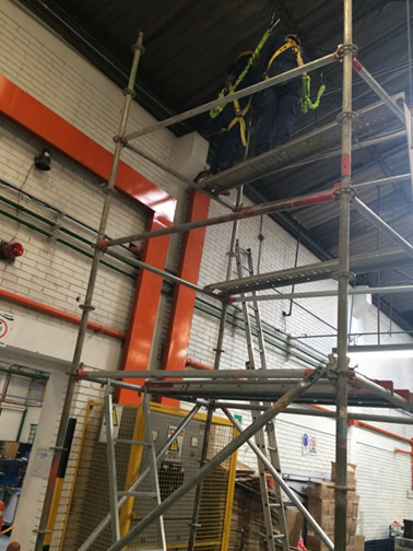 cableado-estructurado-trabajo-seguro-en-alturas-2-bogota-colombia-cableado-estructurado.com.co